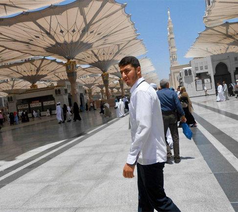 حاج مهدی رضایی در مسجد نبی
